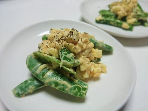 スナップエンドウと卵の簡単ホットサラダ