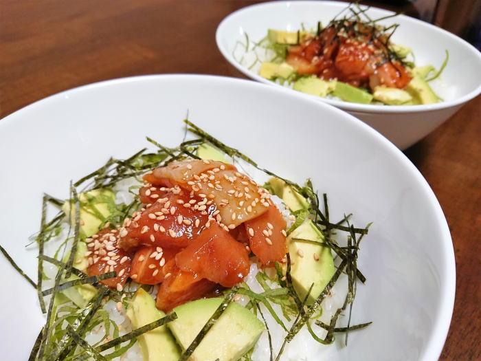 海鮮丼は焼肉タレでガッツリメシになる